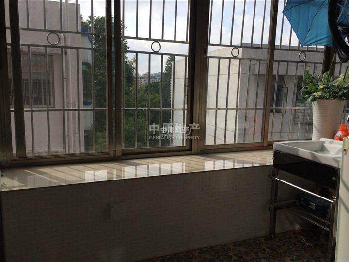 东深供水局宿舍阳台