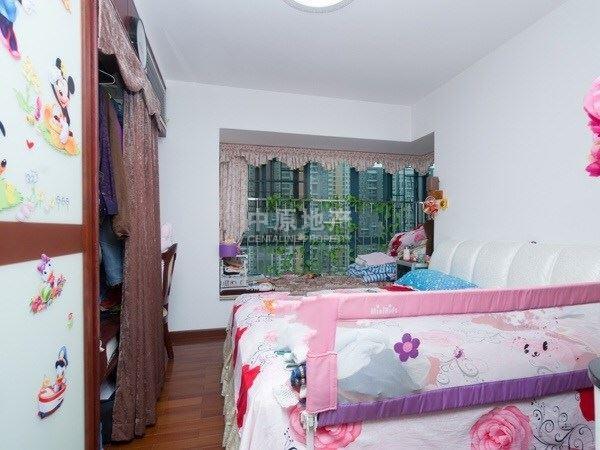 2米高卧室装修图