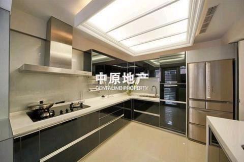高层(共25层) 装修:豪华装修 住宅类别:普通住宅 产权性质:商品房
