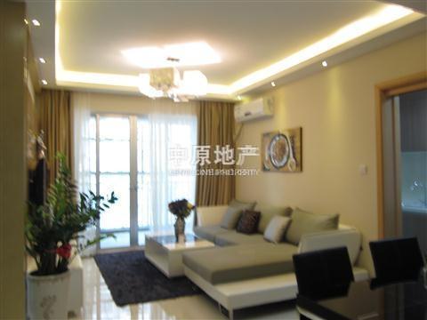 《优房》客厅白色瓷砖房间红木地板