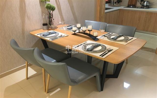 餐厅 餐桌 家具 书桌 装修 桌 桌椅 桌子 640_400