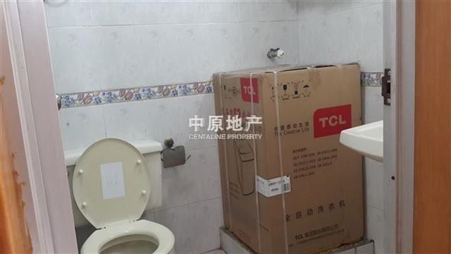 木头龙小区卫生间