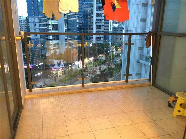 泰华阳光海湾花园 送大入户 精装3 1房 东南向 满五年